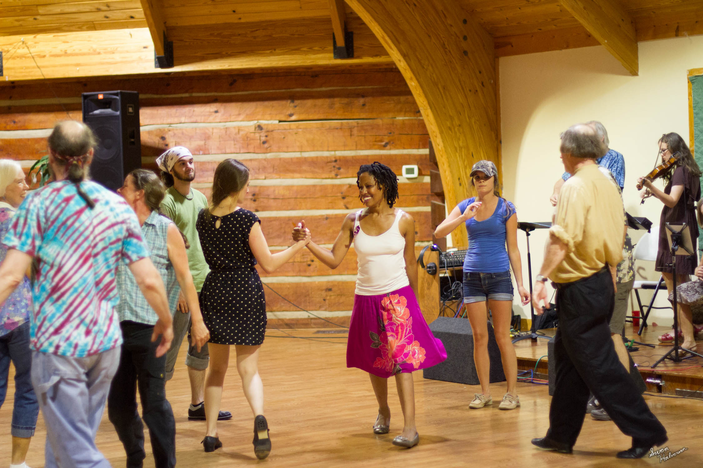 Contra dancing in Berea-011.jpg