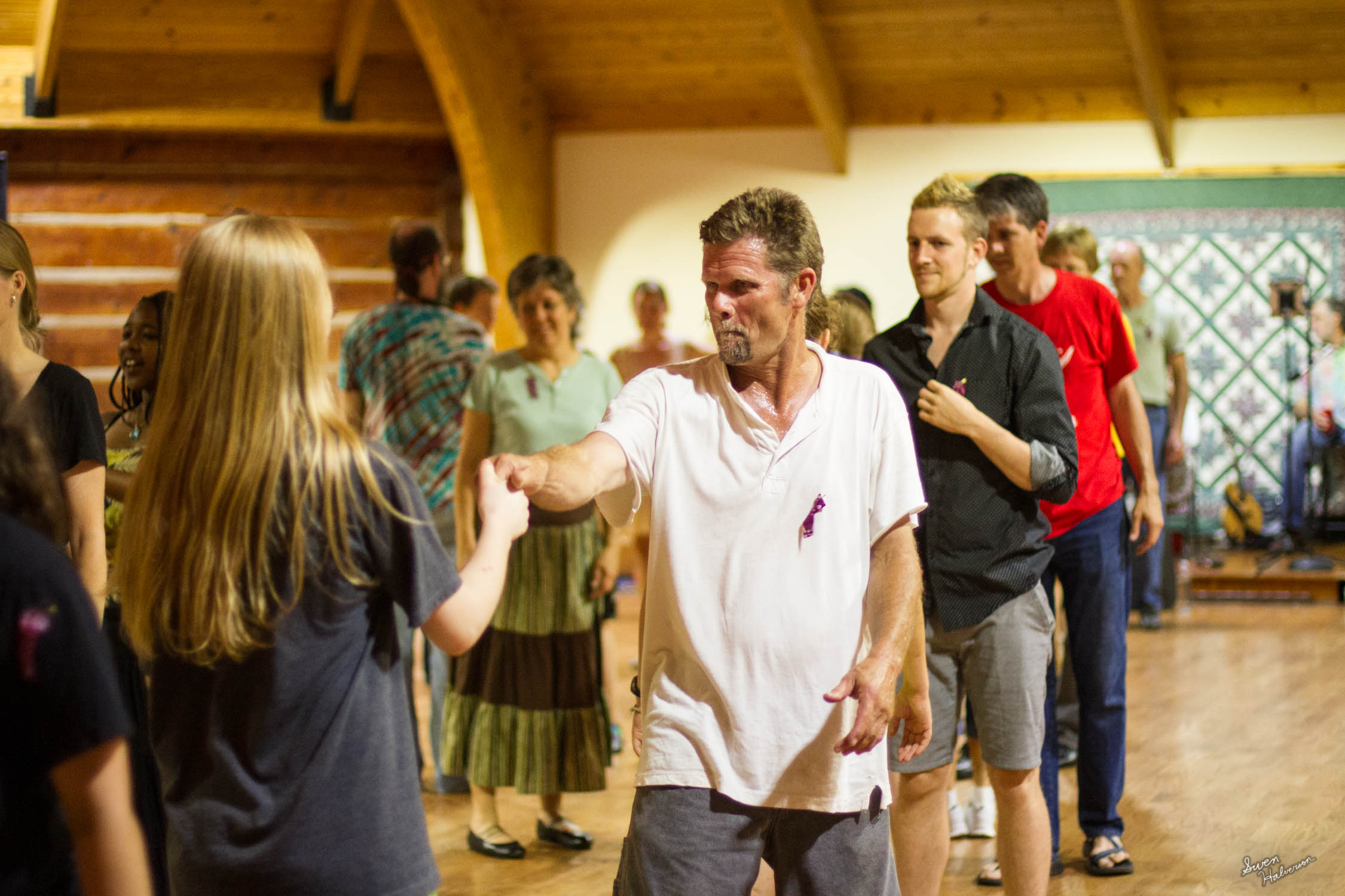 Contra dancing in Berea-019.jpg