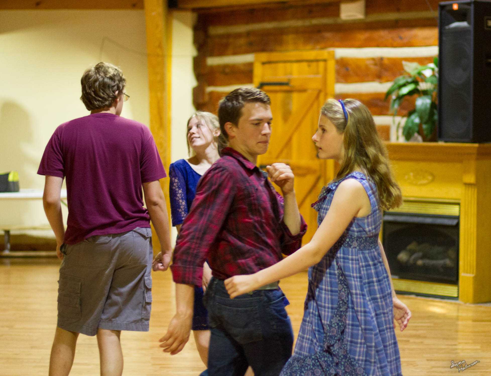 Contra dancing in Berea-028.jpg