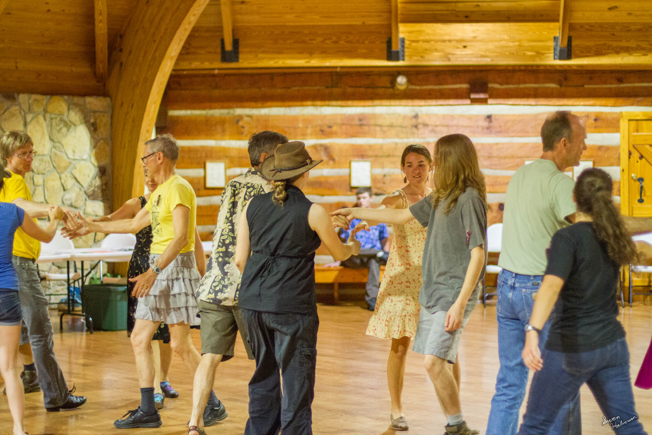 Contra dancing in Berea-029.jpg