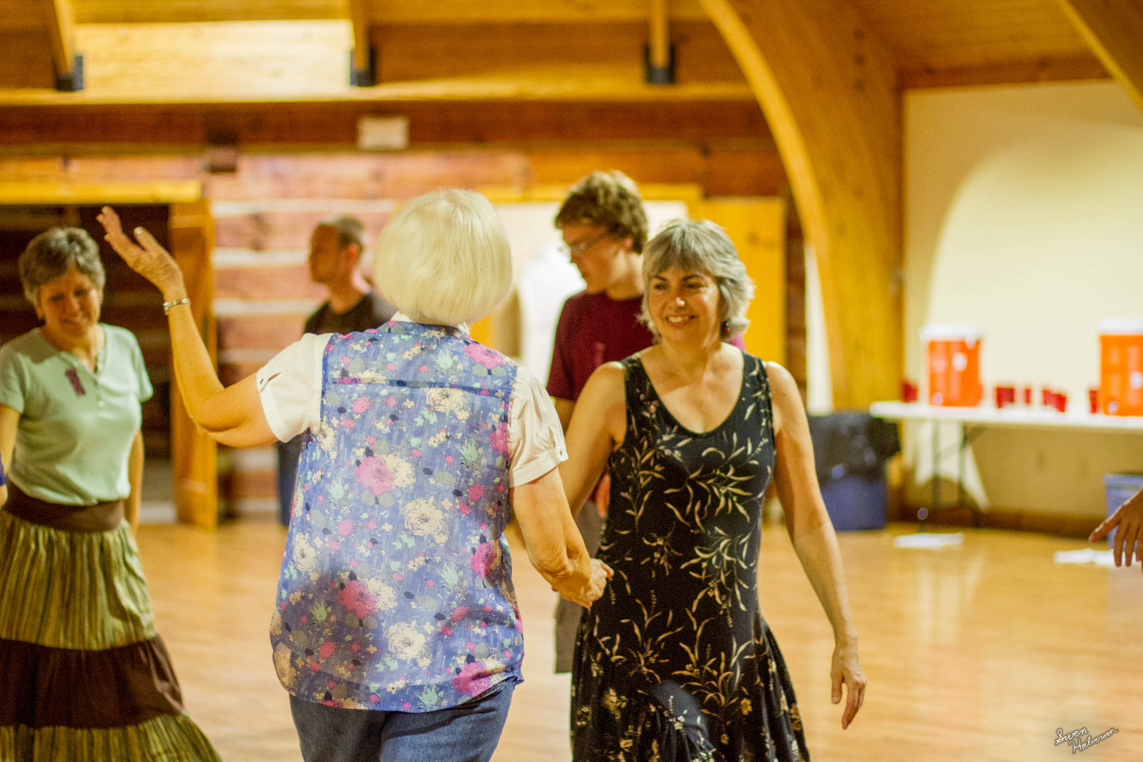 Contra dancing in Berea-036.jpg