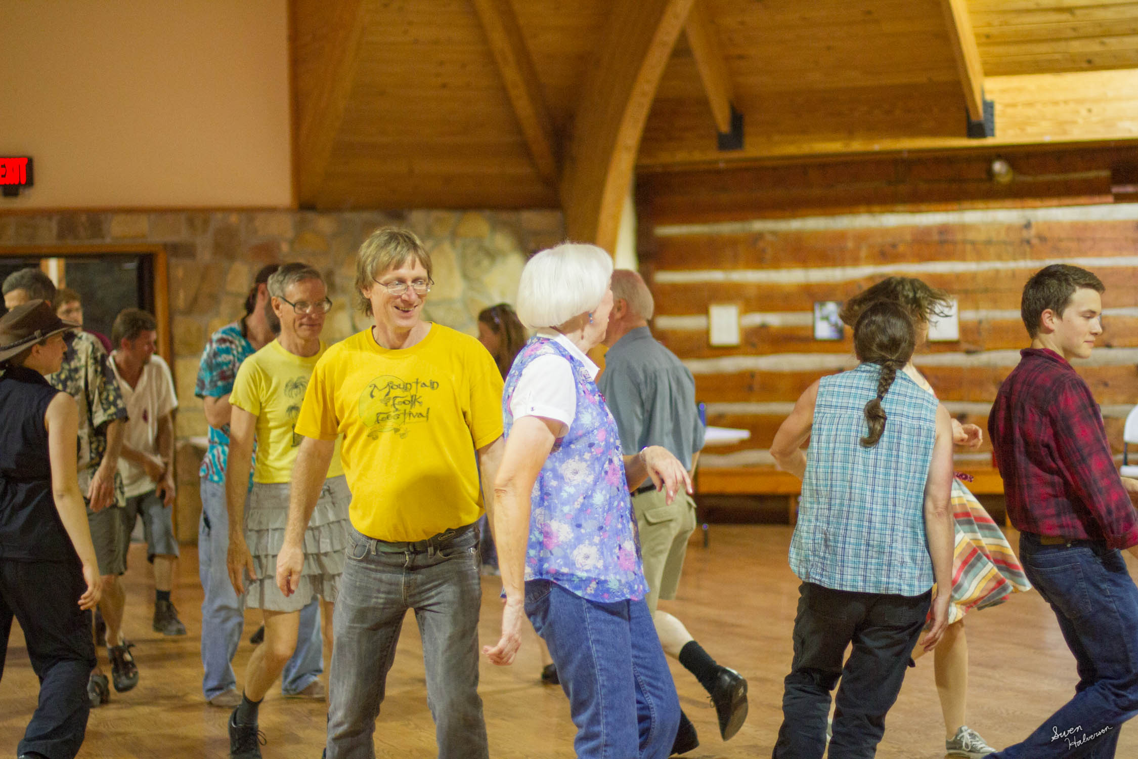 Contra dancing in Berea-045.jpg