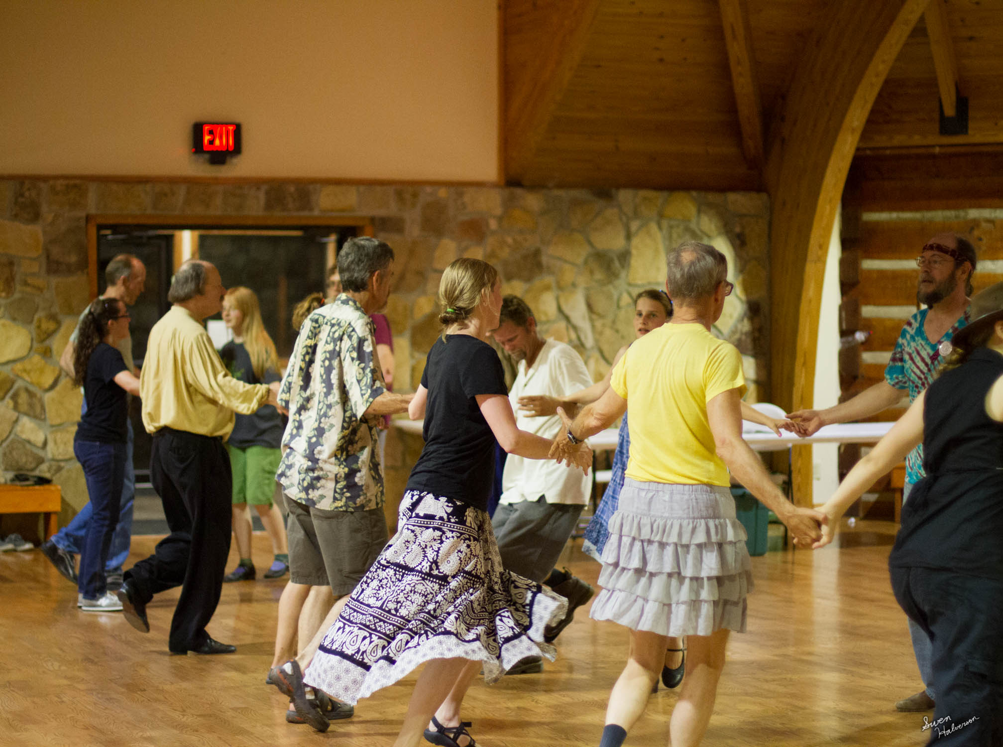 Contra dancing in Berea-047.jpg