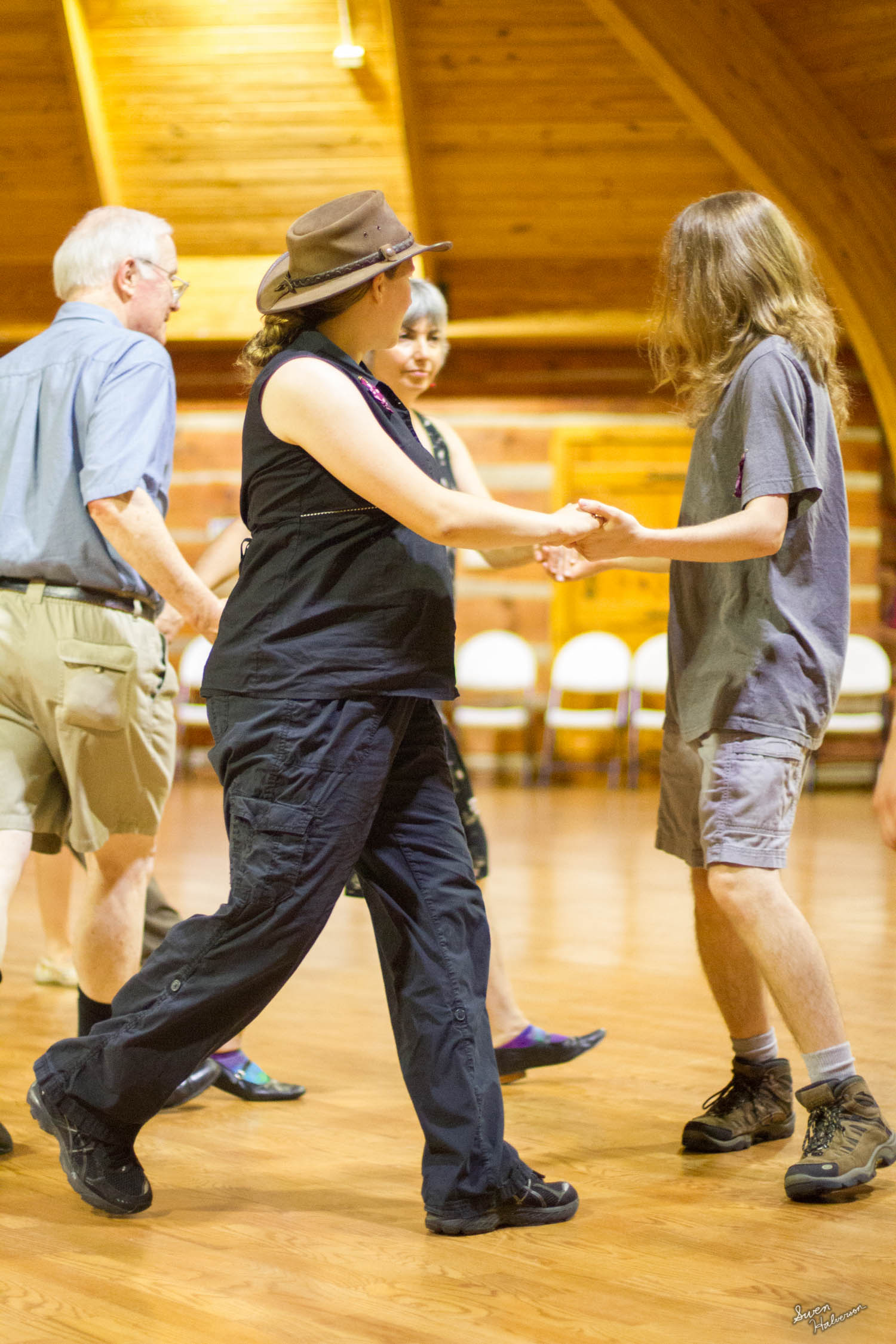 Contra dancing in Berea-049.jpg