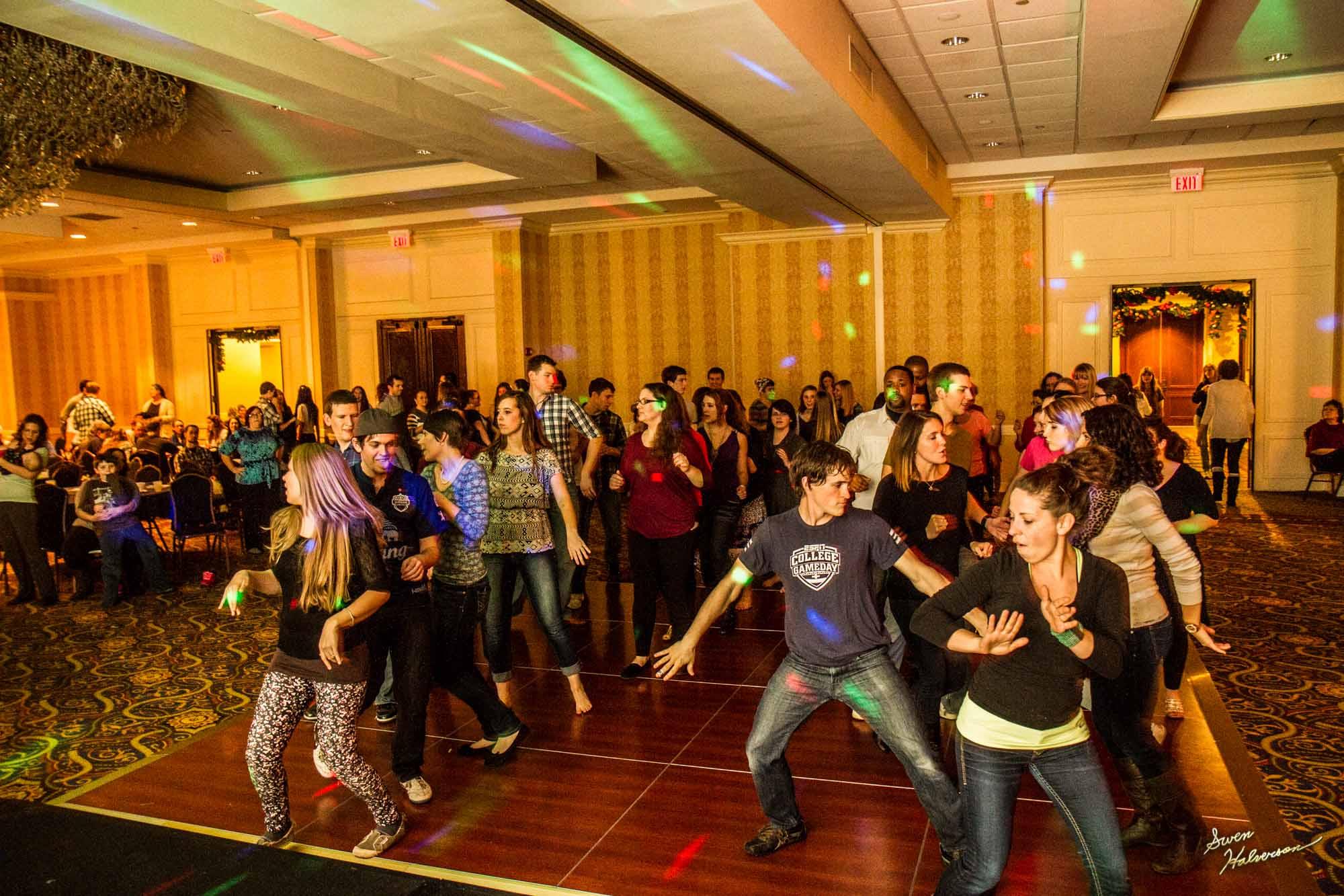 Theme:Dance | Title: Feelin' The Groove