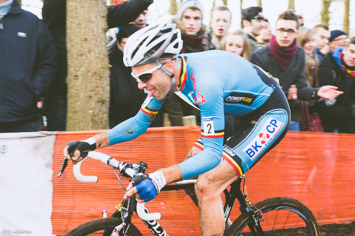 The distinctive tongue-out look of Niels Albert.