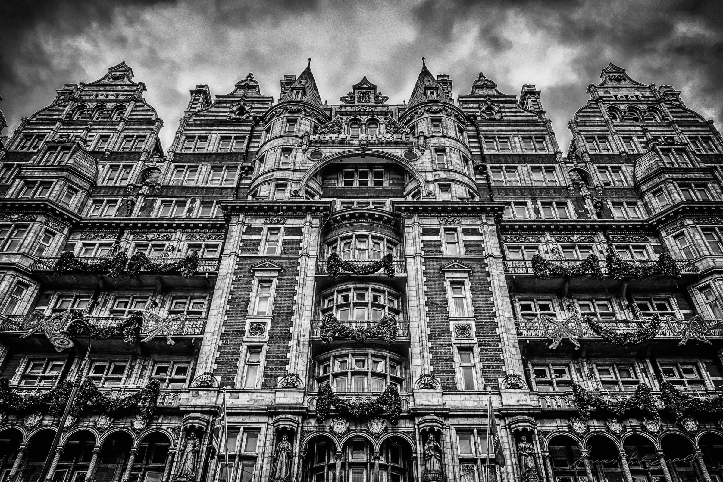 London-Russle-Square-09.jpg