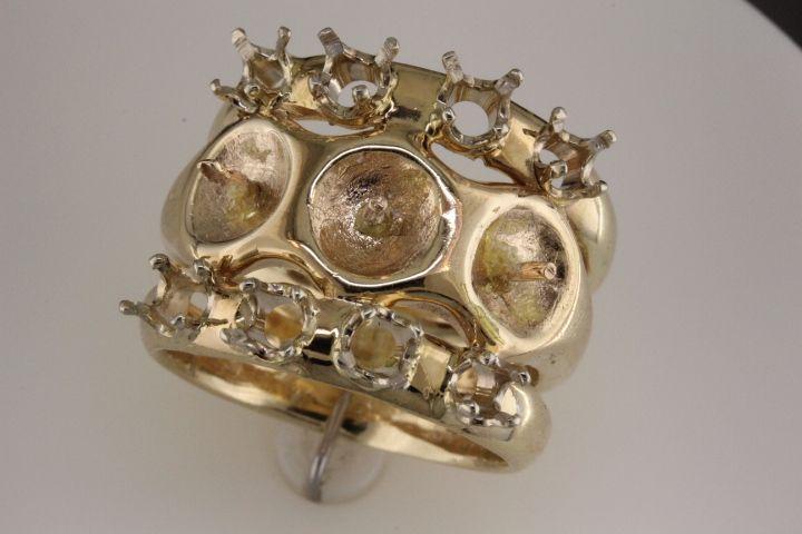 Ring taken apart