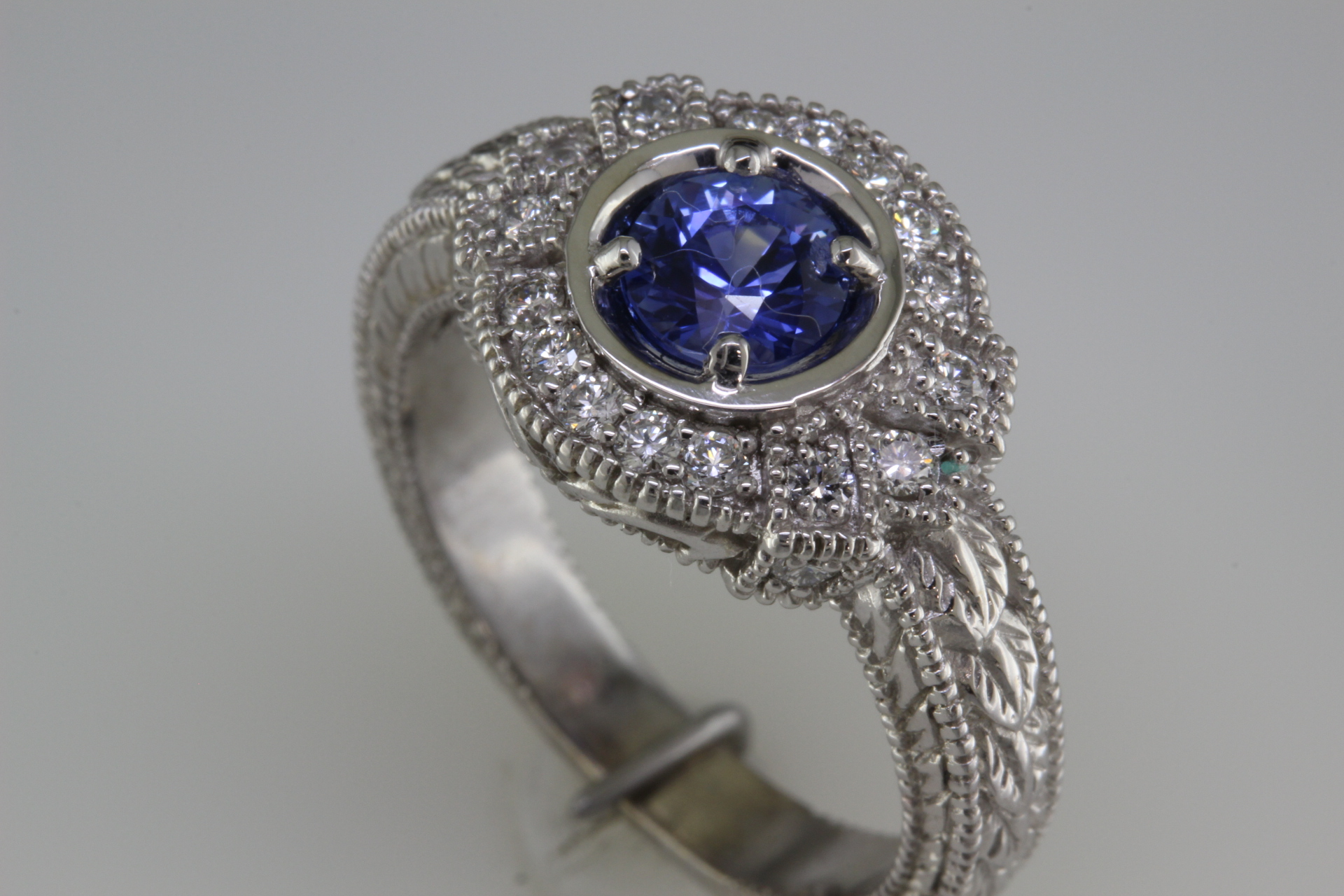 Antique style Sapphire ring
