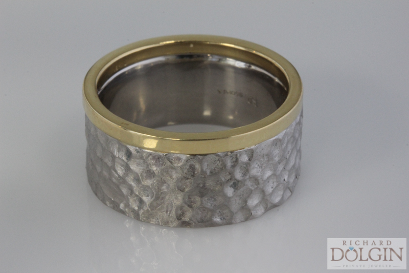 Gent's matching wedding band in palladium and 18k yellow gold