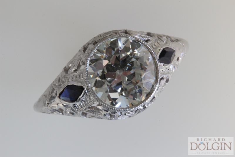 Vintage ring (1 of 3).jpg