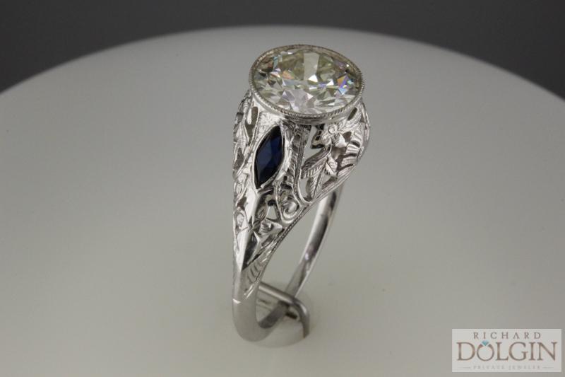 Vintage ring (3 of 3).jpg