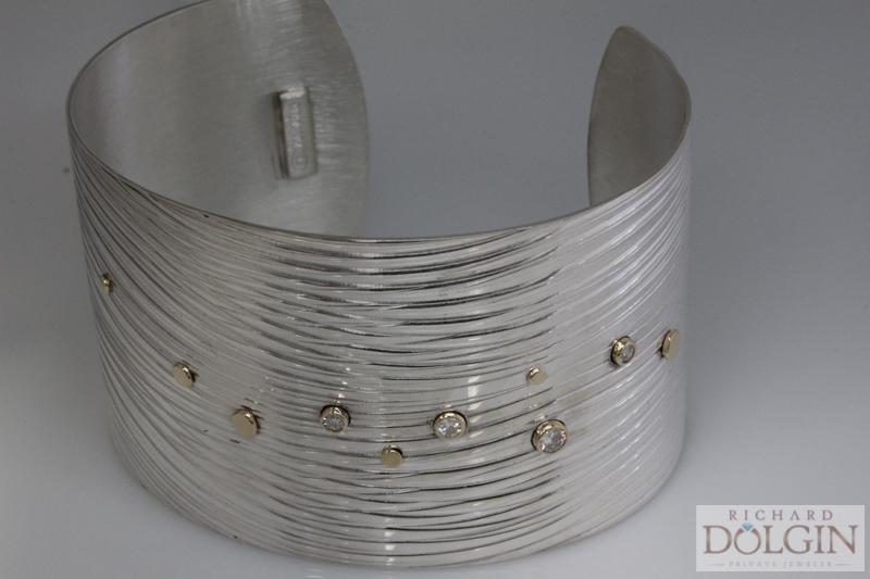 The 'Wave' Bracelet