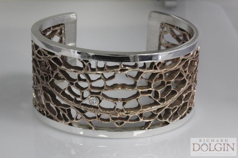 Cactus pattern bronze bracelet