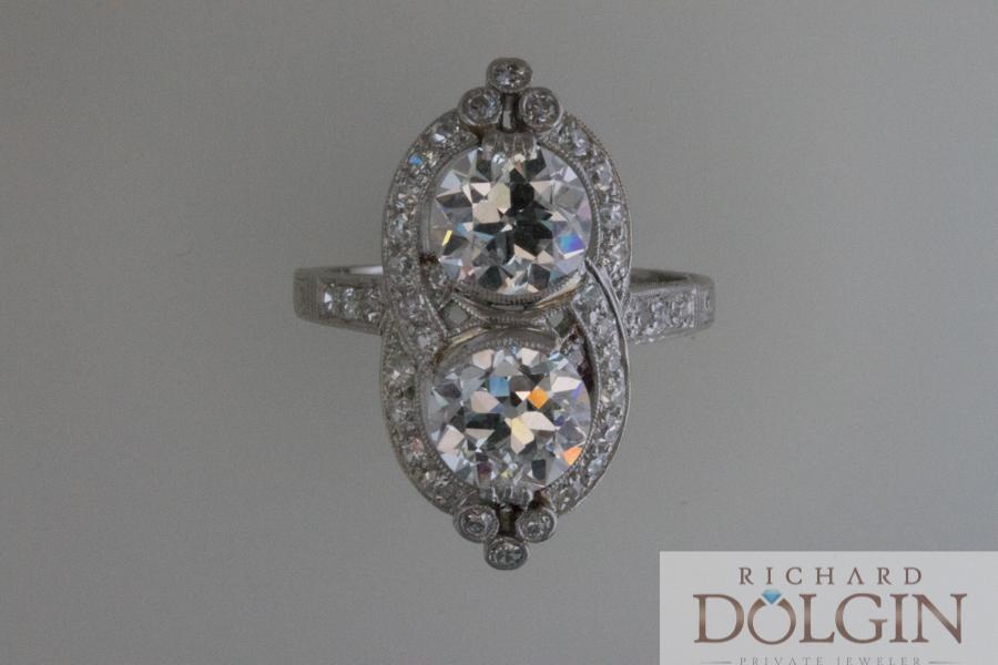 Exquisite platinum vintage ring