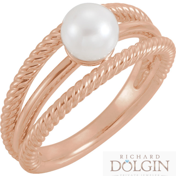 Pearl set in rose gold