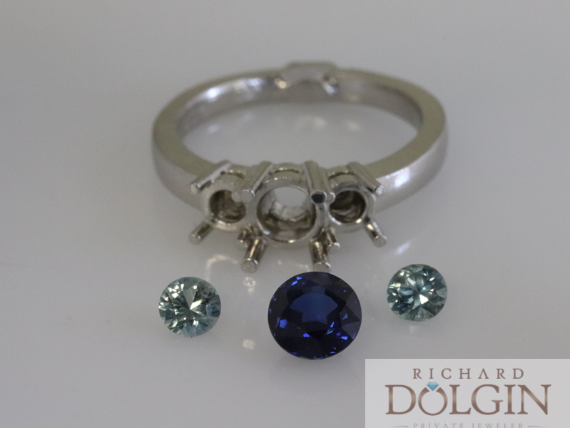 Rough casting with lose sapphires