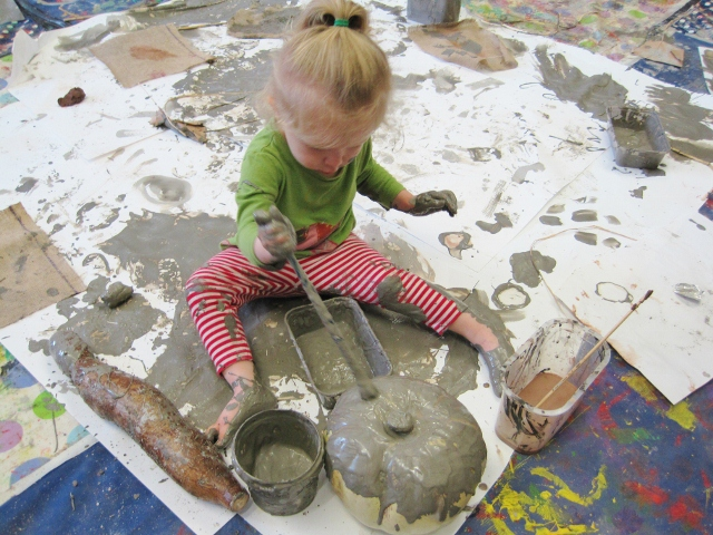 07_in the clay slip (640x480).jpg