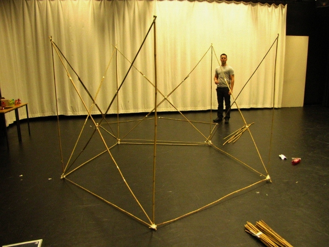 04_Building a safe structure (640x480).jpg