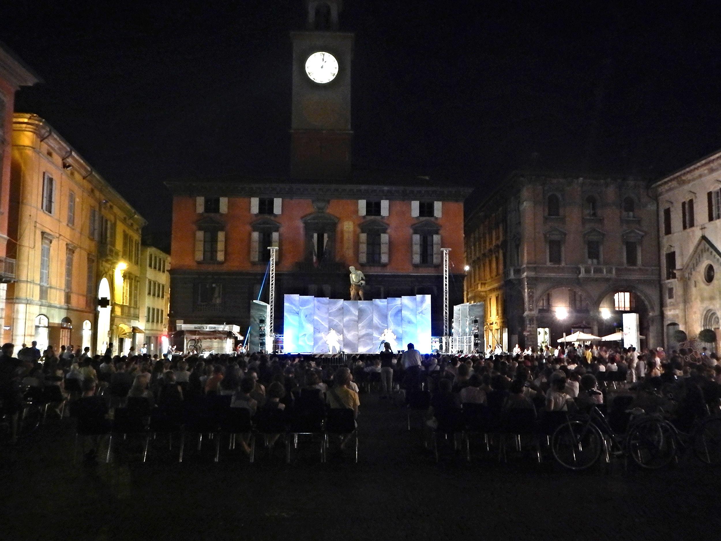 Ballet in Piazza Camillo Prampolini