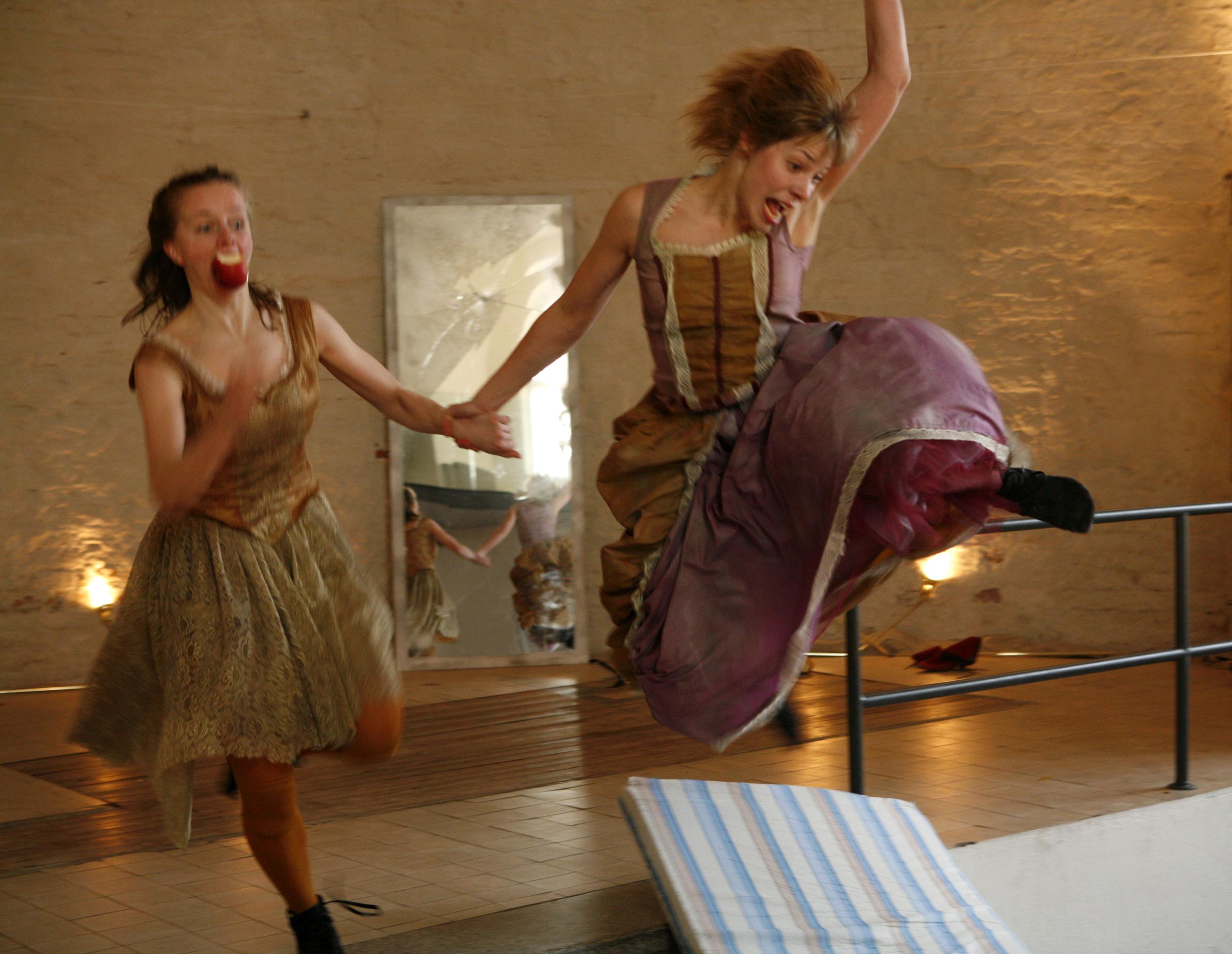 Photo: Marko Mäkinen, Dancers: Jenna Rignell & Milla Koistinen