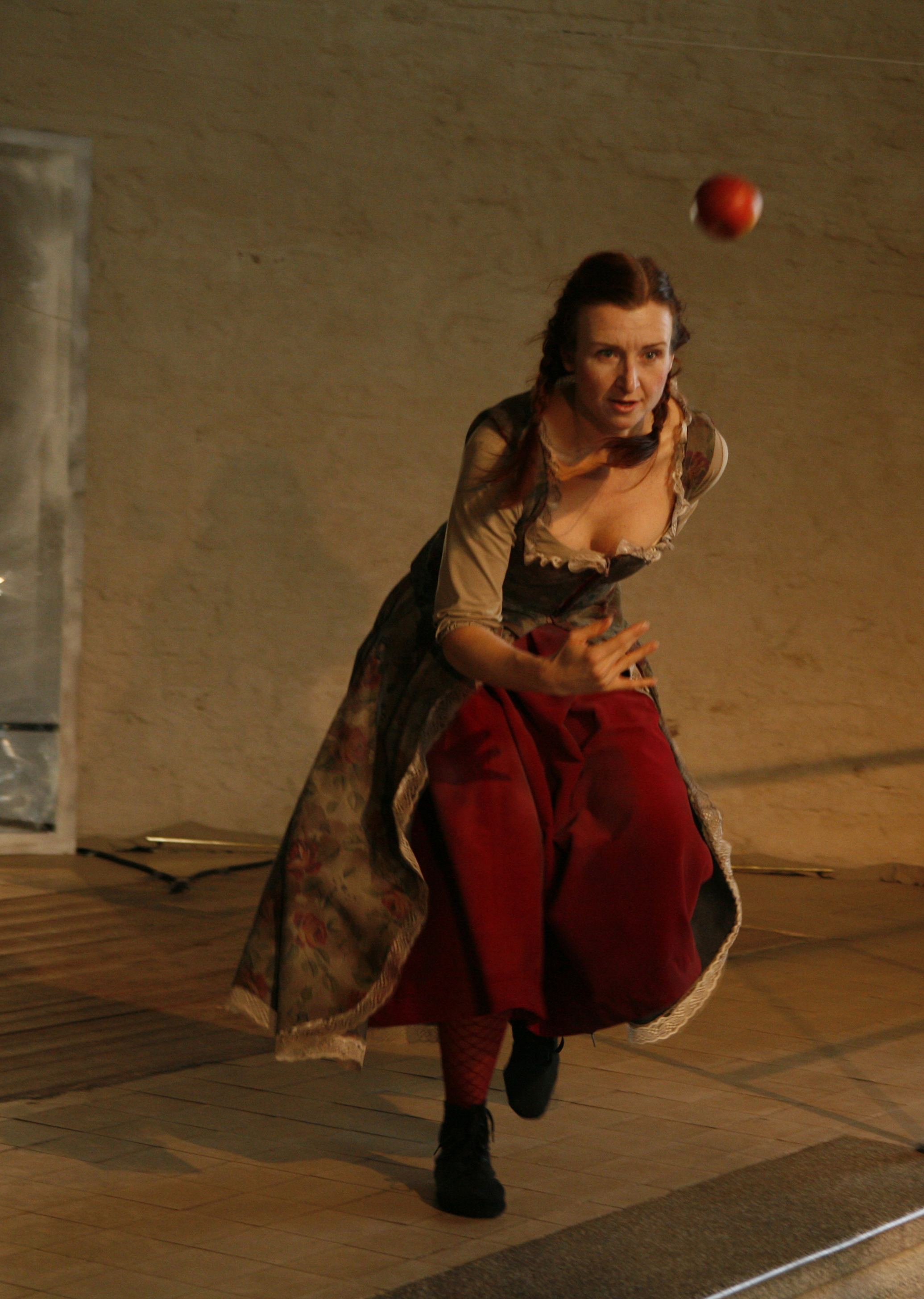 Photo: Marko Mäkinen, dancer: Tuovi Rantanen
