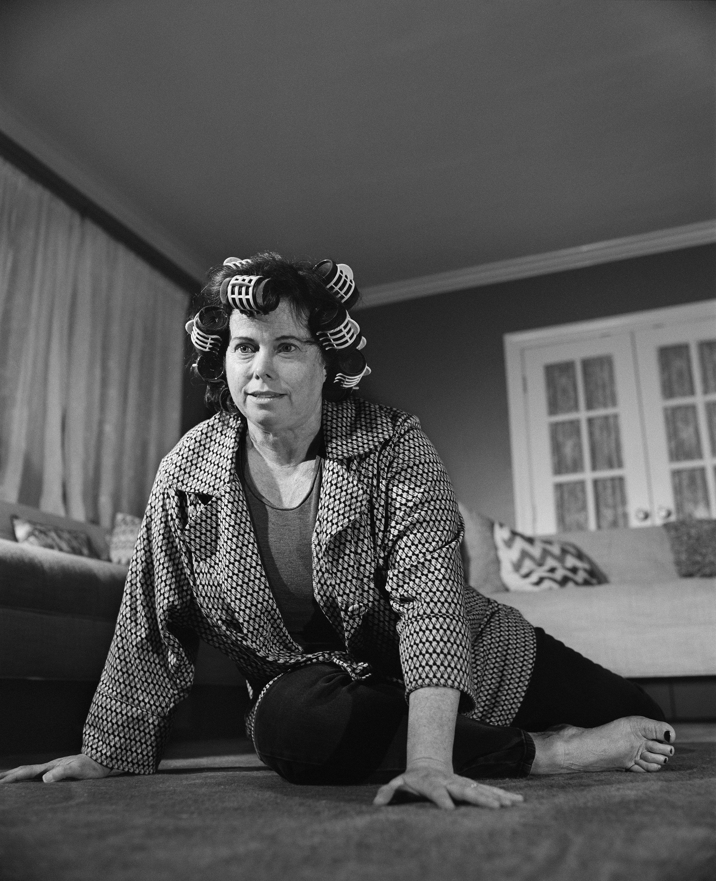 Bonnie-Carpet-Haunches-_Grayscale16Bit.jpg