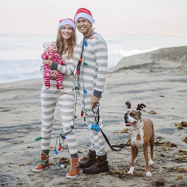 🎄Merry 🎅🏻 Christmas ❤️ #theGonzoFamilyChristmas #babygirlGonzo #babysfirstchristmas #tothefullestblog #CaliChristmas #Christmas2017 #LeilaRose @dayswithbk 📸: the awesome @kimber.brown