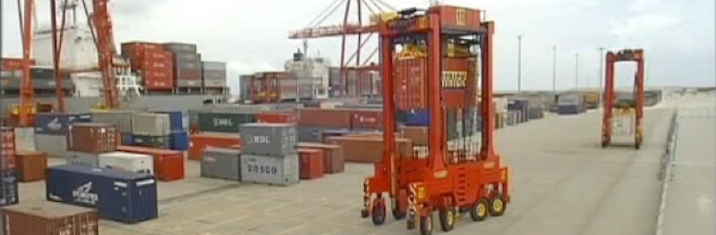 Robot container loaders at Port Brisbane set productivity record for a straddle terminal