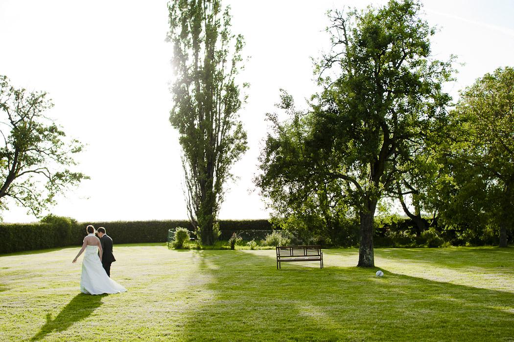 Un mariage nécessite beaucoup de préparatifs. Participer à un salon peut permettrede gagner du temps pour se concentrer sur l'essentiel...   Copyright Makabane