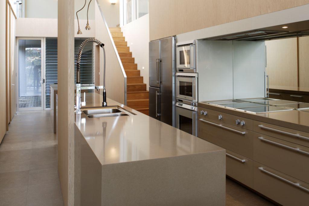 kitchen 05comp.jpg