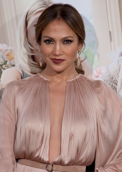 Jennifer_Lopez_at_the_What_to_Expect_When_You're_Expecting_Premiere_2012_(Cropped)_2.png