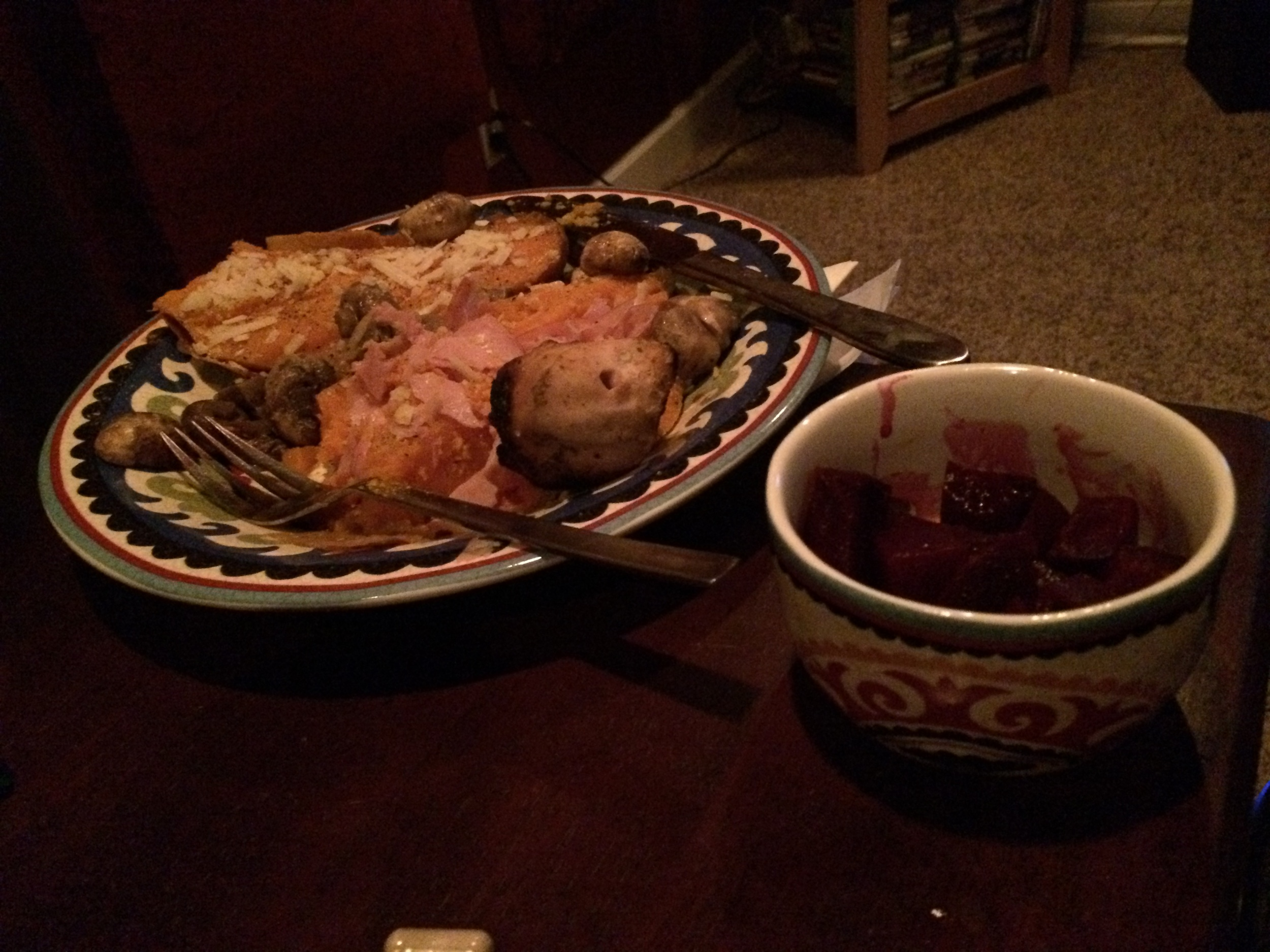 Pre-race dinner - sweet potato with MCT oil, sheep cheese, chicken, ham, grilled mushrooms and roasted beets