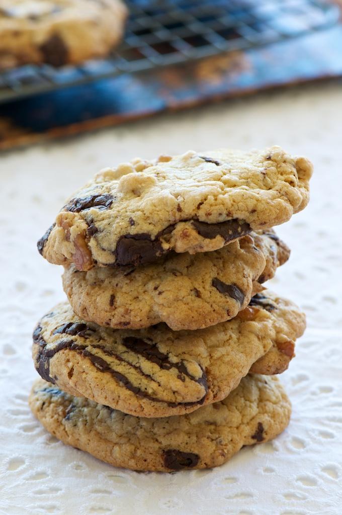 chocolate_tahini_cookies1.jpg