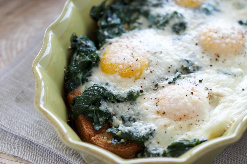 baked_eggs_spinach1.jpg
