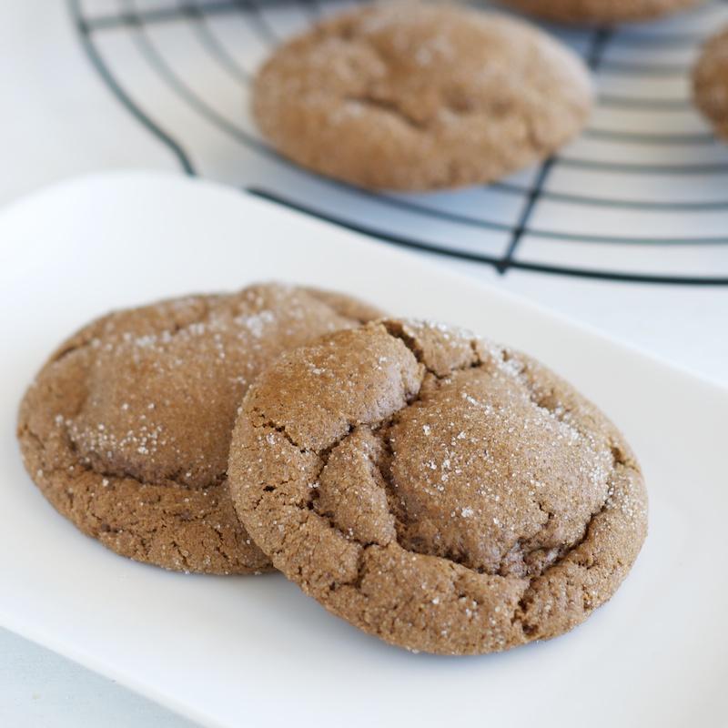 ginger_molasses_cookies (1).jpg