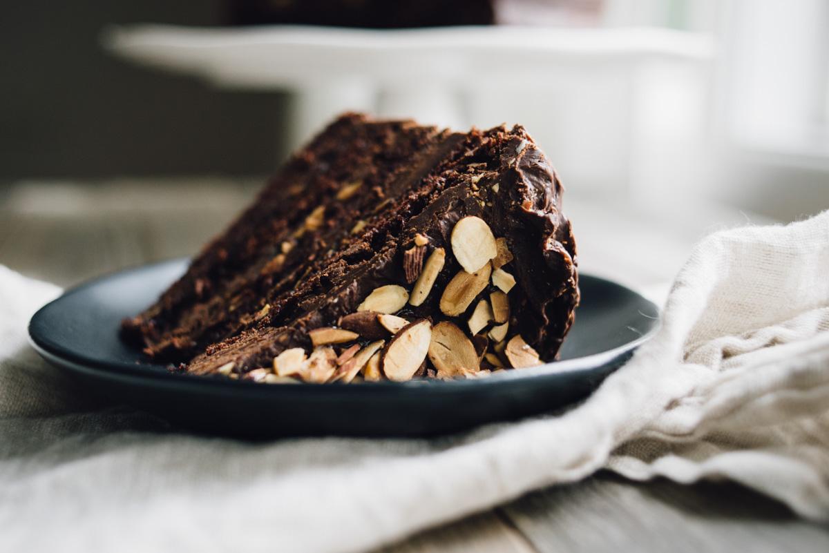 chocolate_cake_ganache_caramel_almonds-1.jpg