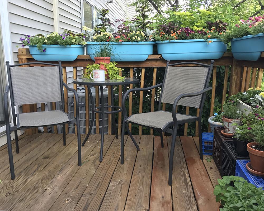 patio garden tour - blue planters