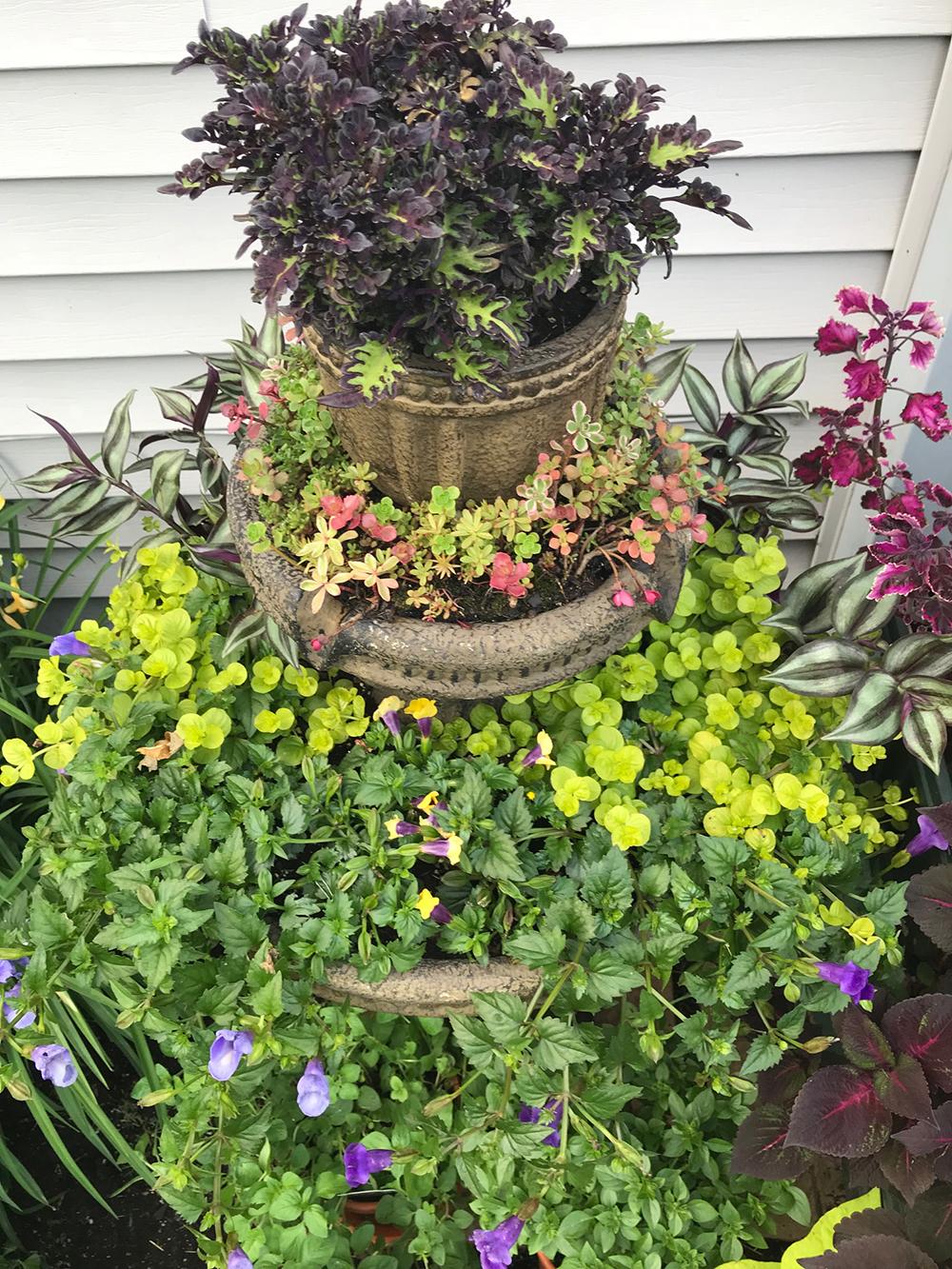 DIY-Fountain-Planter.jpg