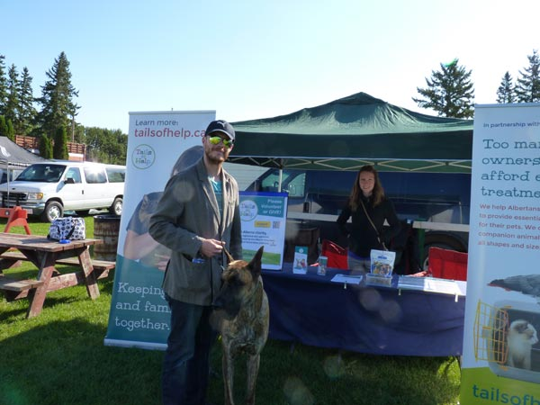 The Tails of Help booth was a popular spot for visiting pets and owners. (click photo to view full size)