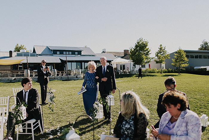matt-and-erin-vineyard-wedding-086.jpg