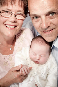 Mary Ann and Ian with granddaughter Jennifer