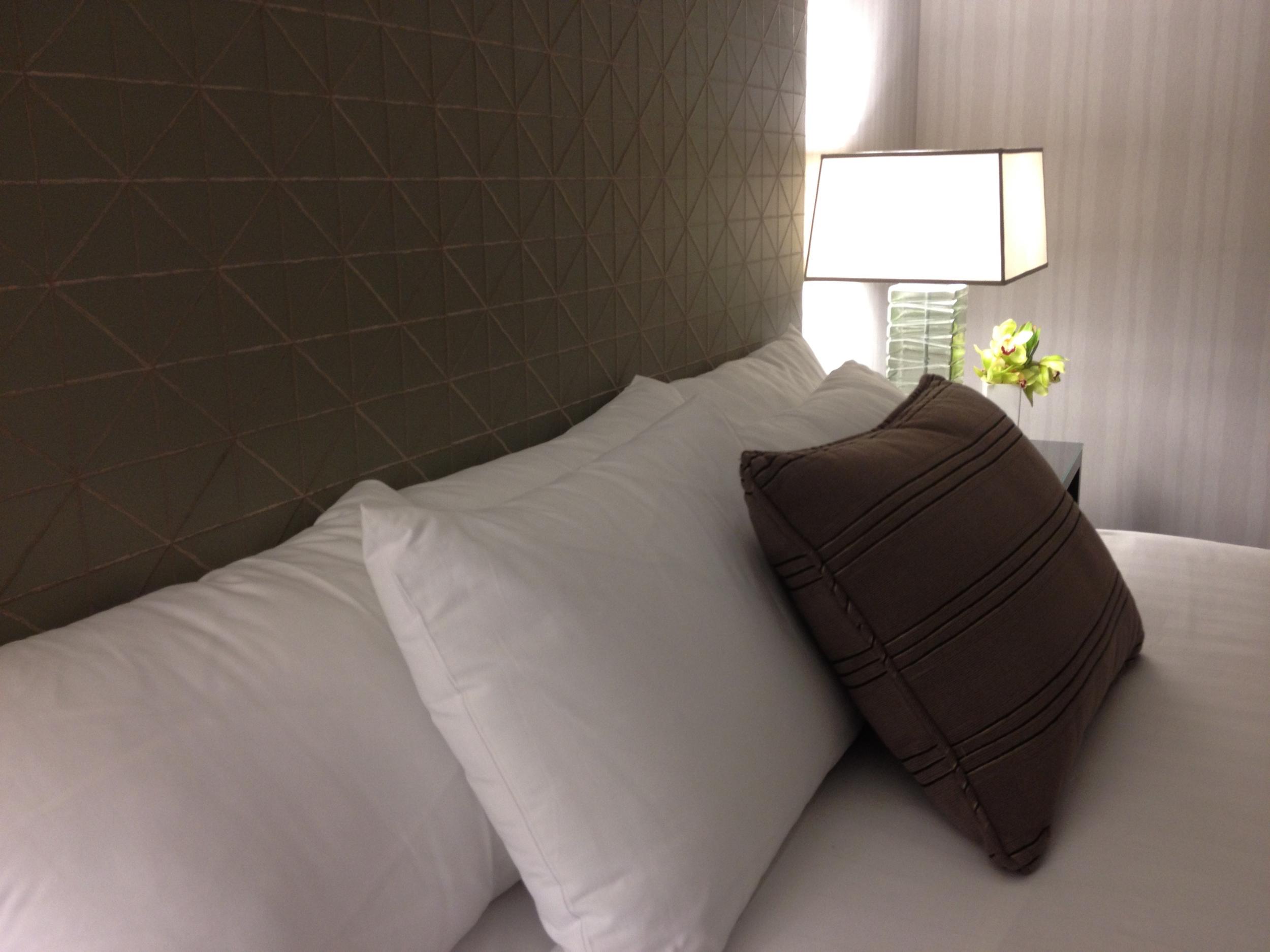 Grand Hyatt San Diego guestroom