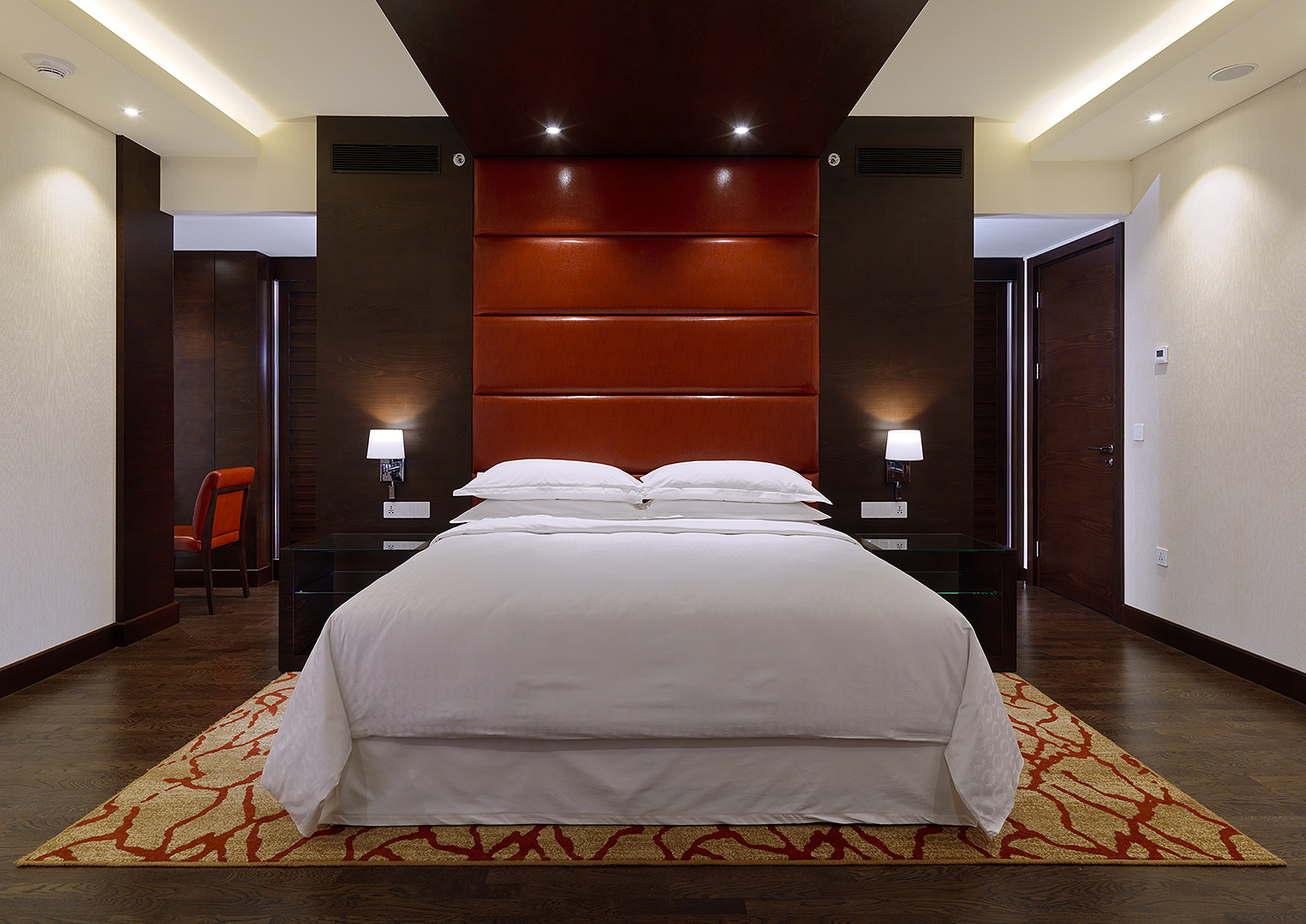 cobico_sher_conakry_residential_suite_bed_prev.jpg