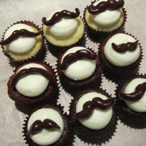 Moustache-Cupcakes.png