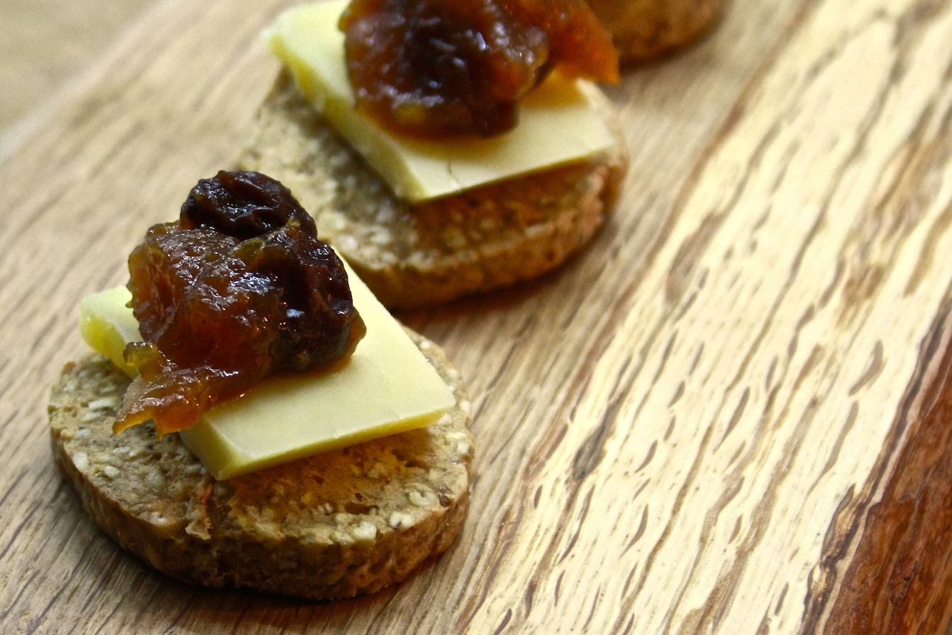 Oatcakes with Isle of Mull cheddar and Cafe St Honoré chutney