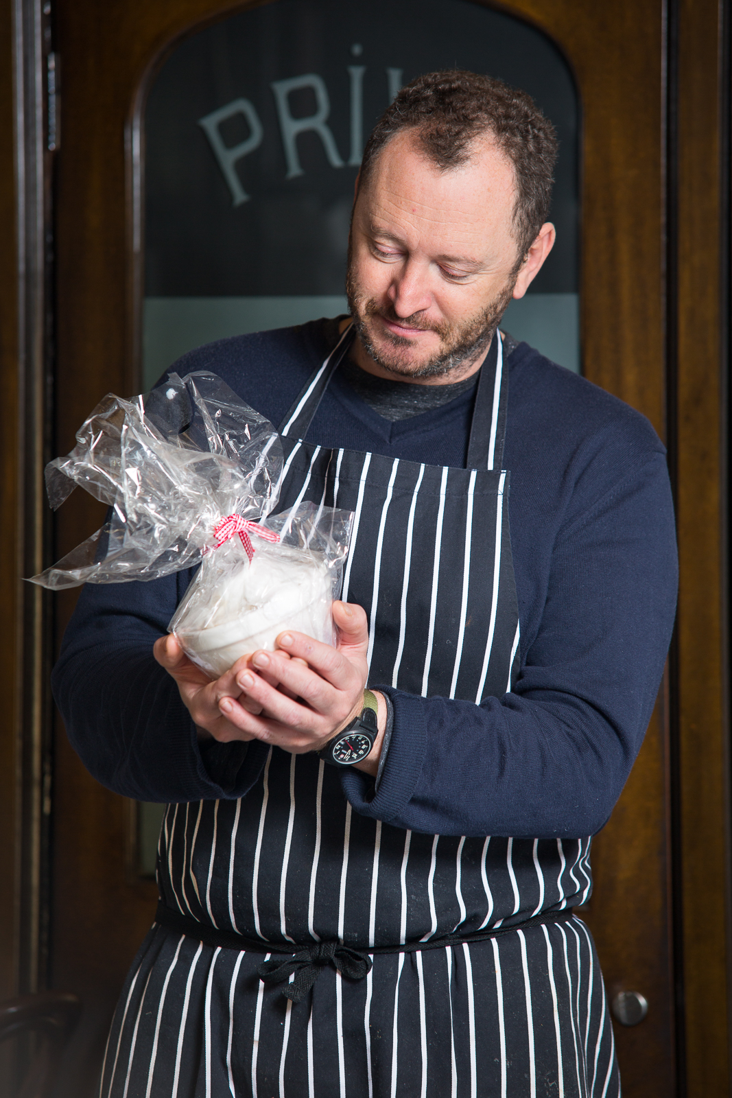 Neil Forbes Cafe St Honore Christmas Pudding WEB 5.jpg