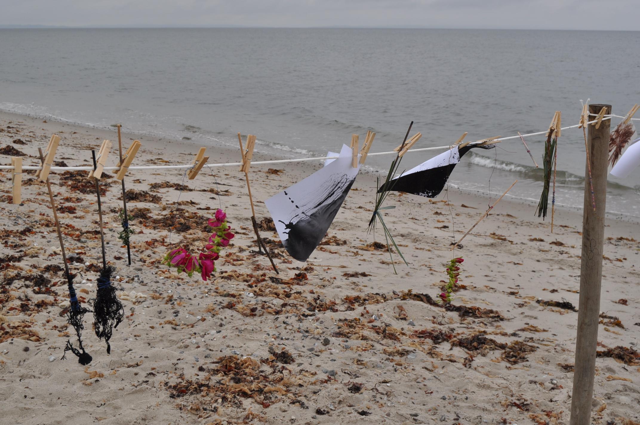 Sculpture by the sea - Børn fra Børnehuset Østerskov, Malling Dagtilbud deltog i arrangement i 2 dg - 2012. Projektet var en del af