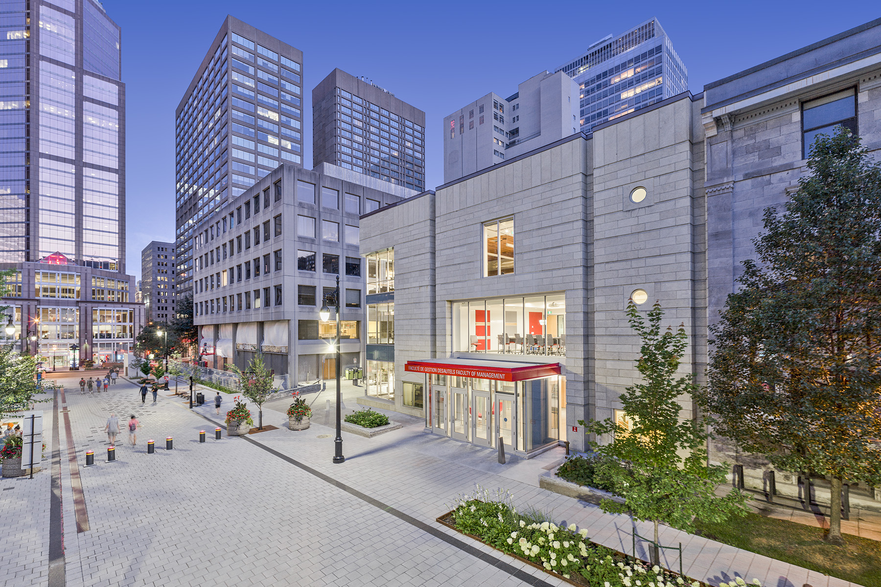 Desautels - Faculty of Management - McGill University / EKM architecture + aménagement