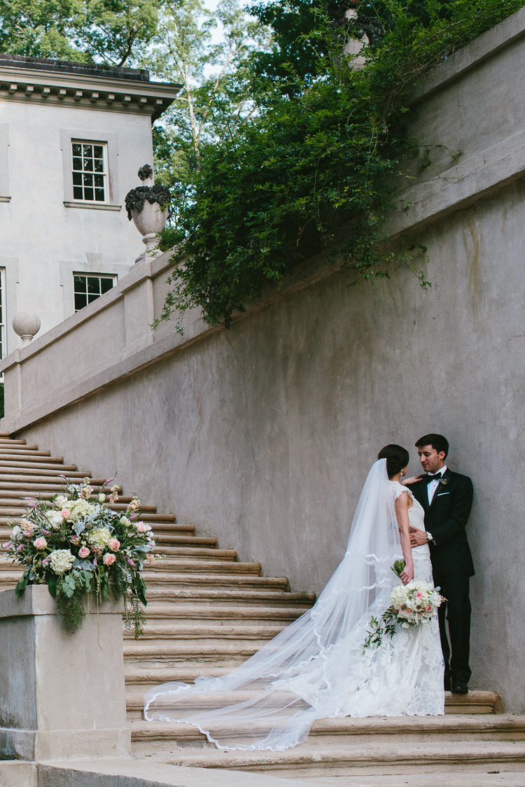 Bride and Groom Portraits at Swan House